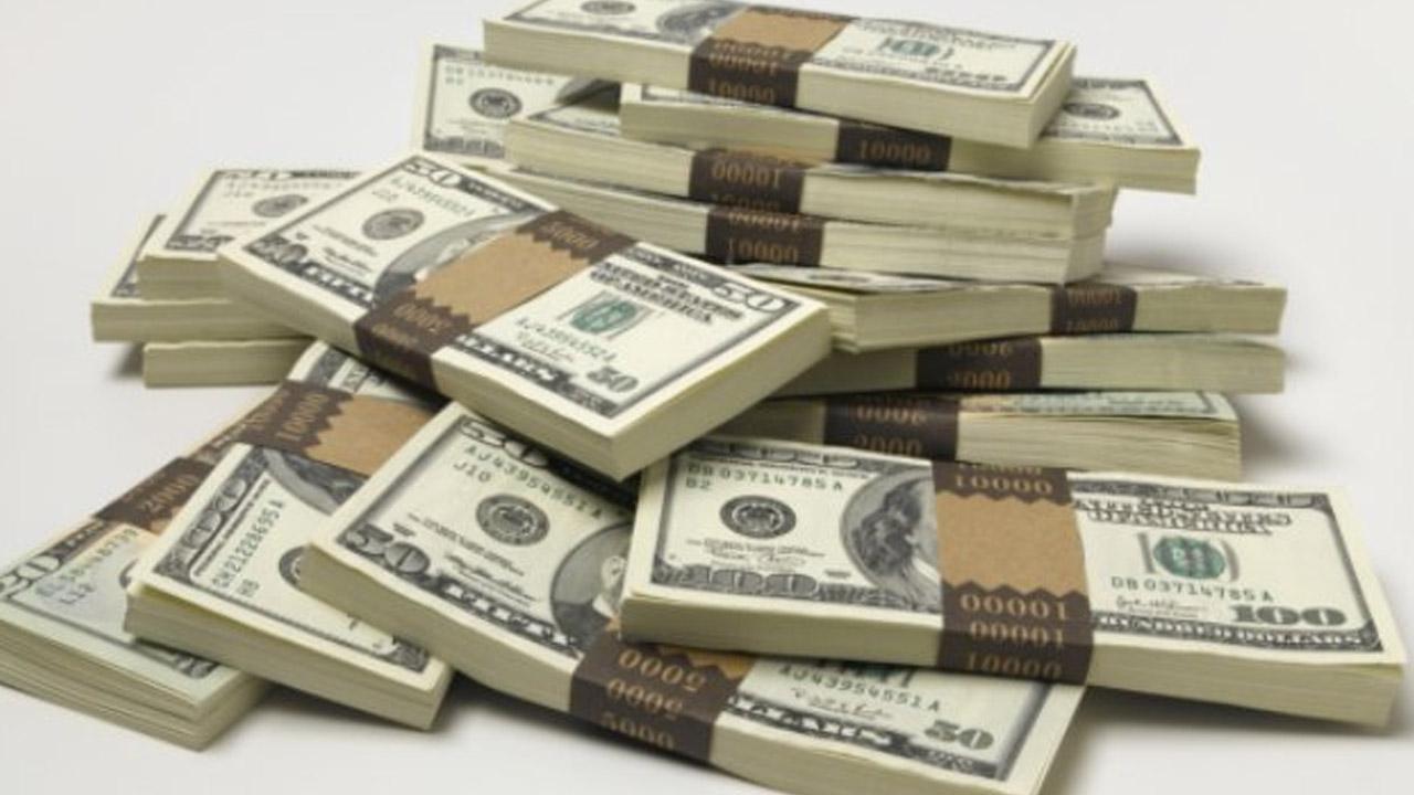 0310173114-money